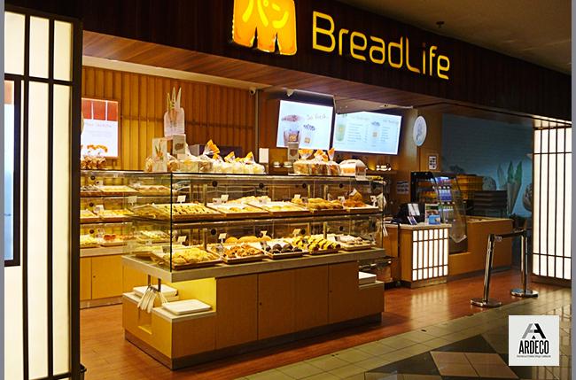 akg-photo-Bread-Life-Daan-Mogot2